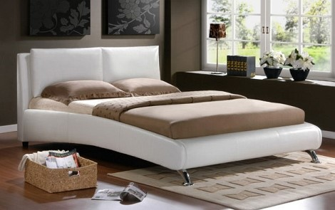 https://web.archive.org/web/20161115002607im_/http:/homedecoratingideas4all.com/wp-content/uploads/2012/04/white-leather-bed-decor.jpg