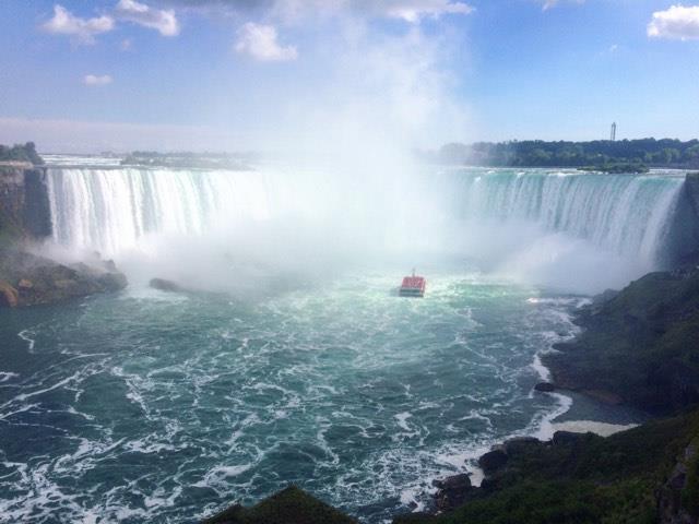 Niagara Falls to the Niagara on the Lake Wineries, Canada