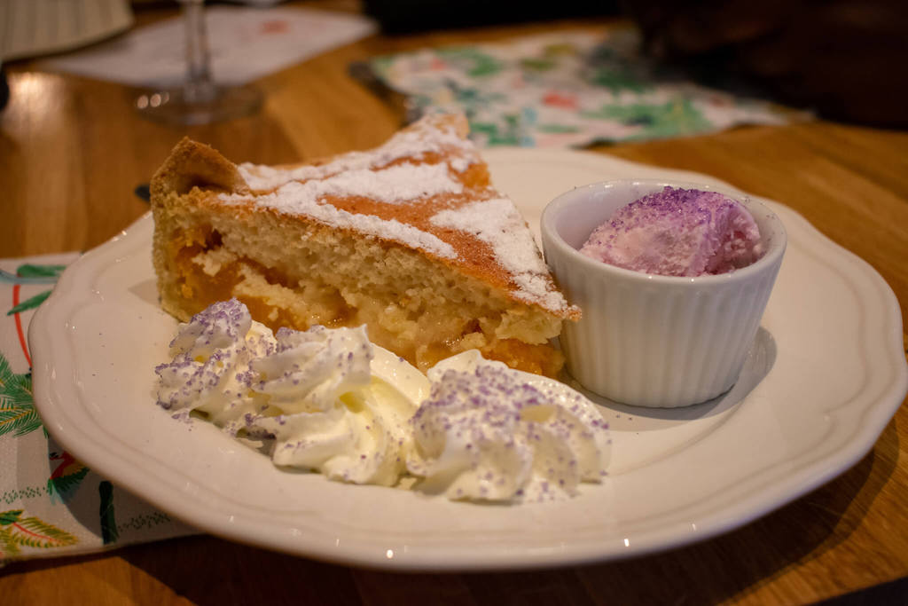 What to eat in Toulouse, Le Fenetra cake