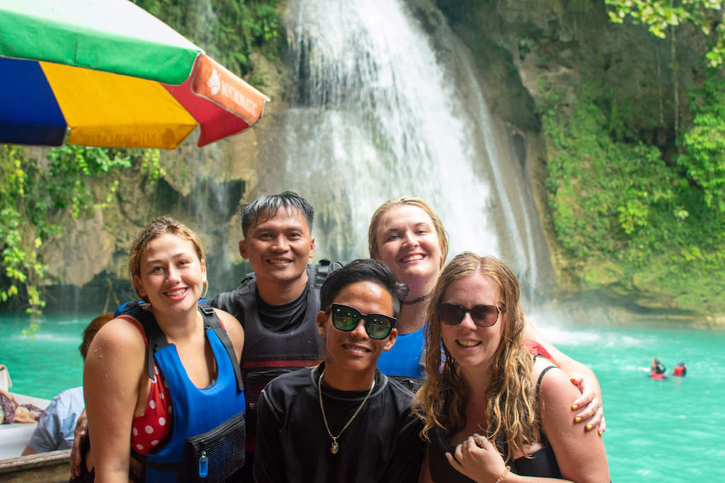 Cebu Phillipines, Group of people in front of Waterfall