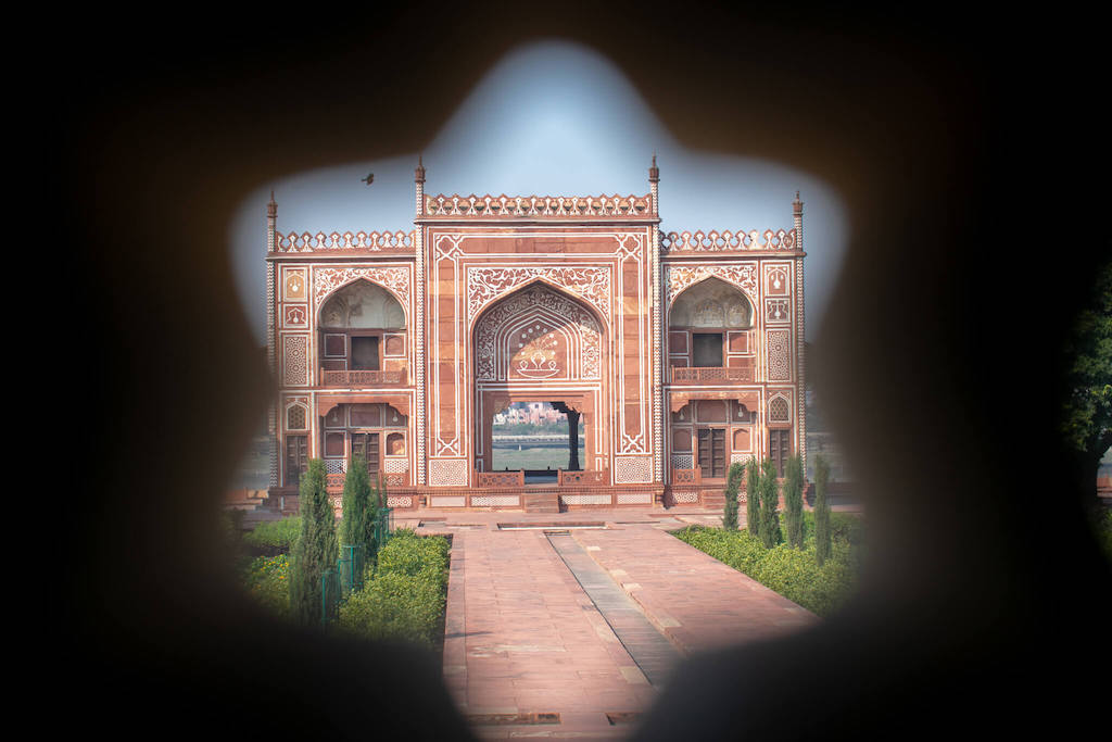 Places to visit in North India, Agra - beautiful architecture of tomb