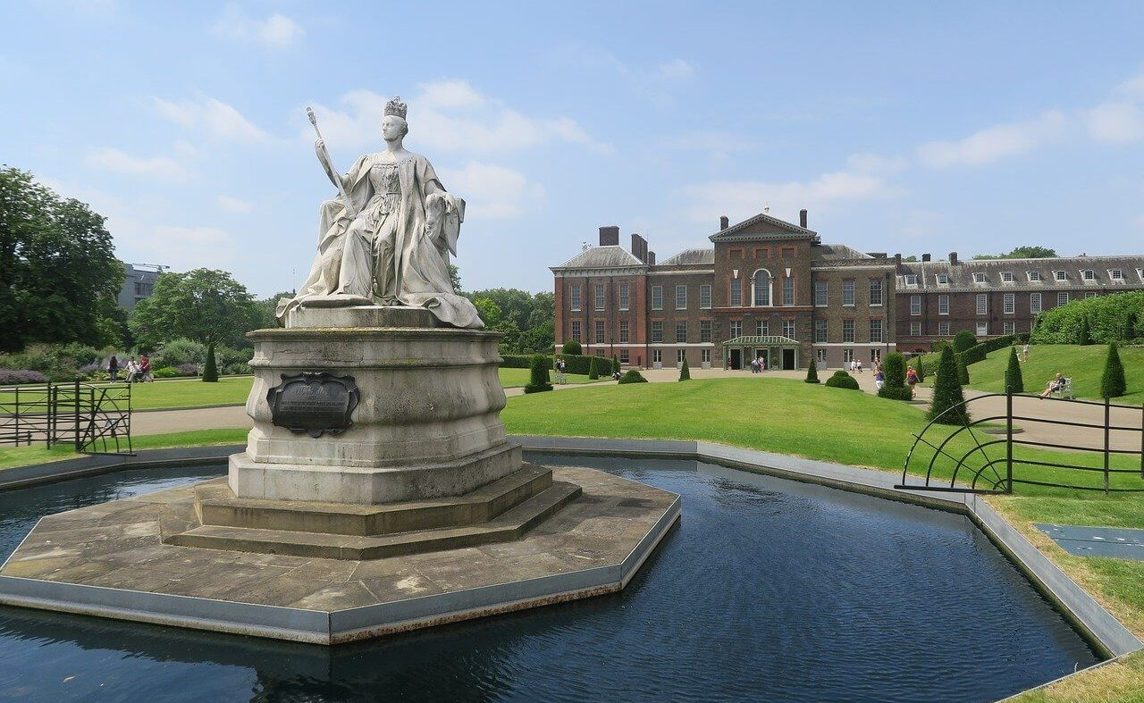 Statue of Queen Victoria outside Kensington Palace London