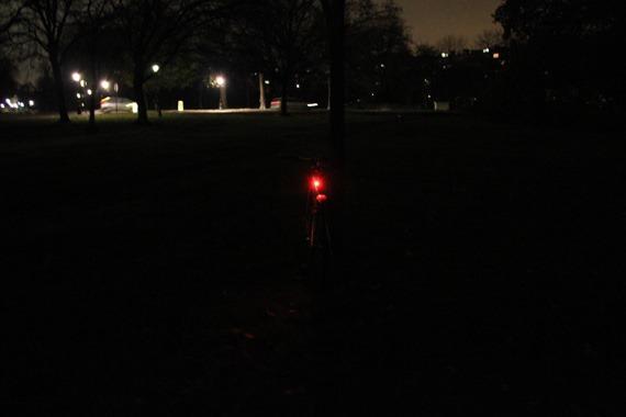 knog-strobe-rear-light-at-night