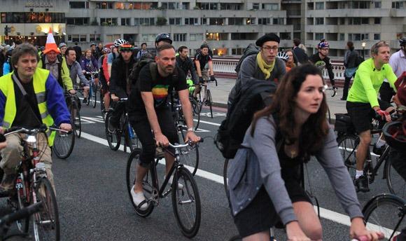 Blackfriars Bridge protest 1