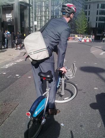 boris-bike-track-stand