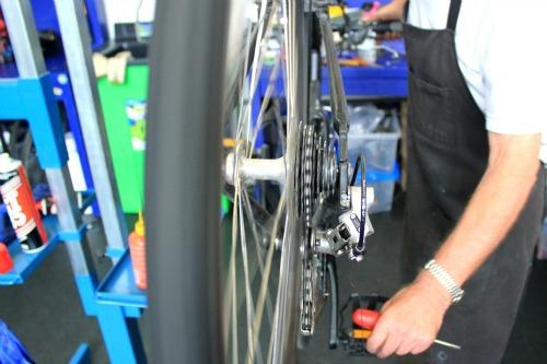 adjusting-gears.jpg