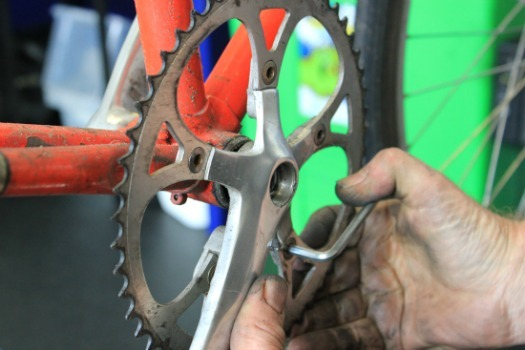 bolts on chainring tightened