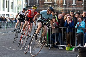nocturne-2012-penny-farthing-race