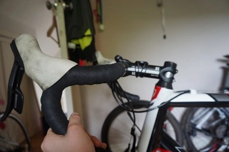 Guide To Overcoming Wrist Pain For Cyclists No More Cycling