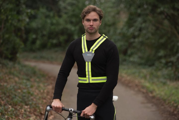 Man wearing Proviz flexi-vis cycling belt