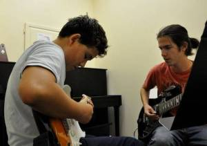 GUITAR LESSONS FOR KIDS LONDON-GUITAR LESSONS FOR CHILDREN IN QUEENS PARK