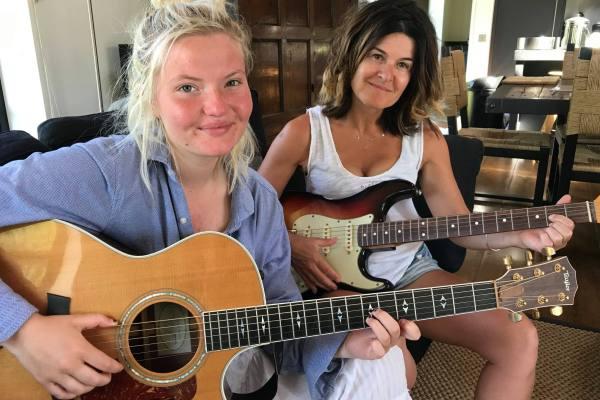 Guitar Lessons Hampton Wick, Kingston, Teddington