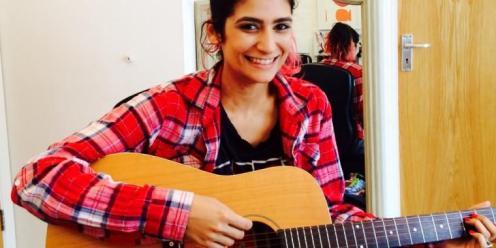 Guitar-Teacher-in-Spitalfields-Bishopsgate-Liverpool-Street-Brick-Lane-Guitar-Lessons