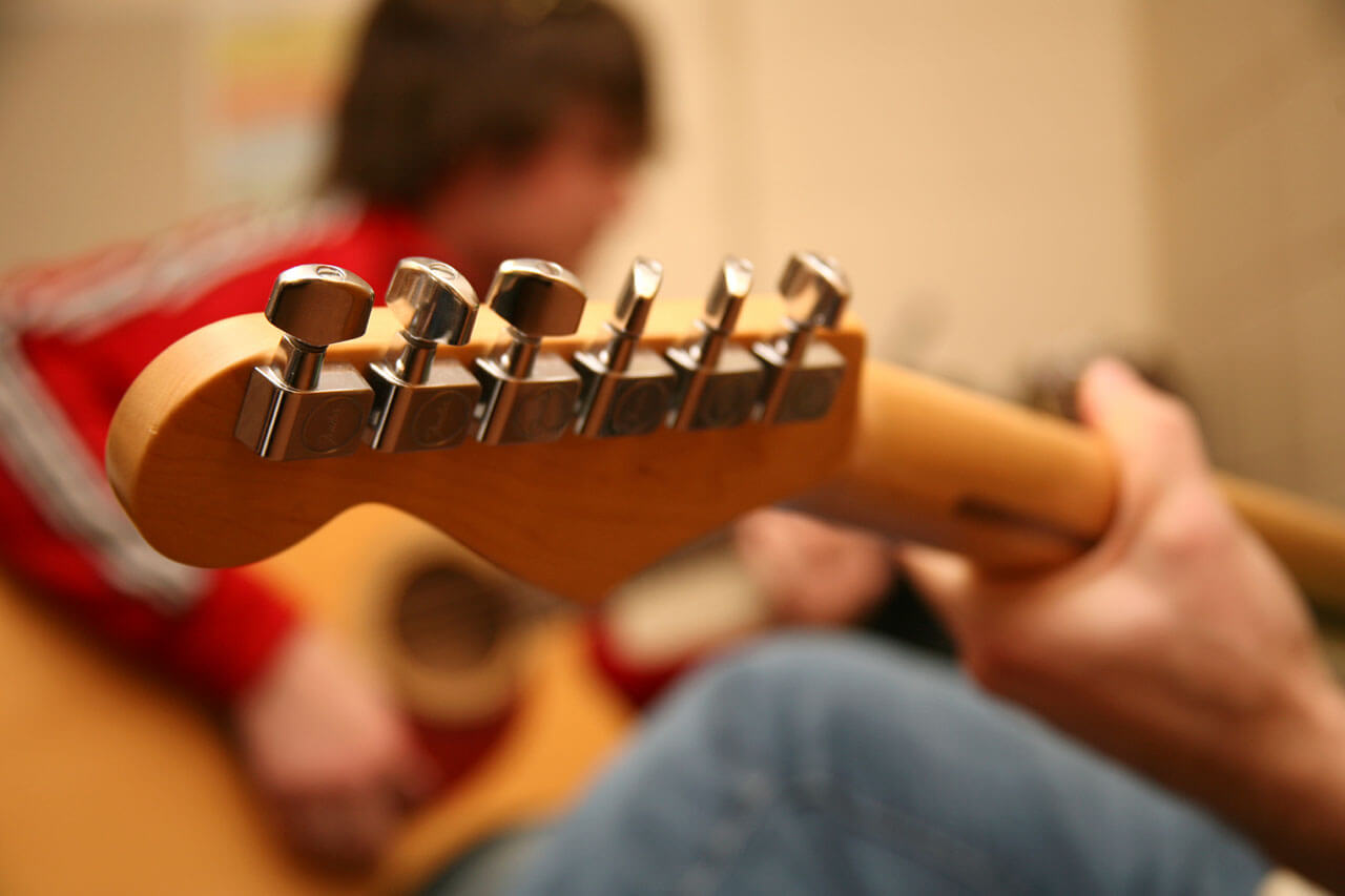 Home Visit Guitar Lessons in St John's Wood LONDON NW8