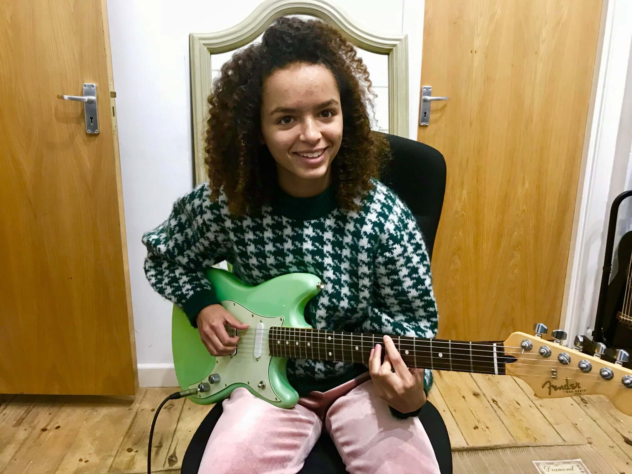Guitar Lessons Dollis Hill Cricklewood Willesden Green Mapesbury Kilburn West Hampstead