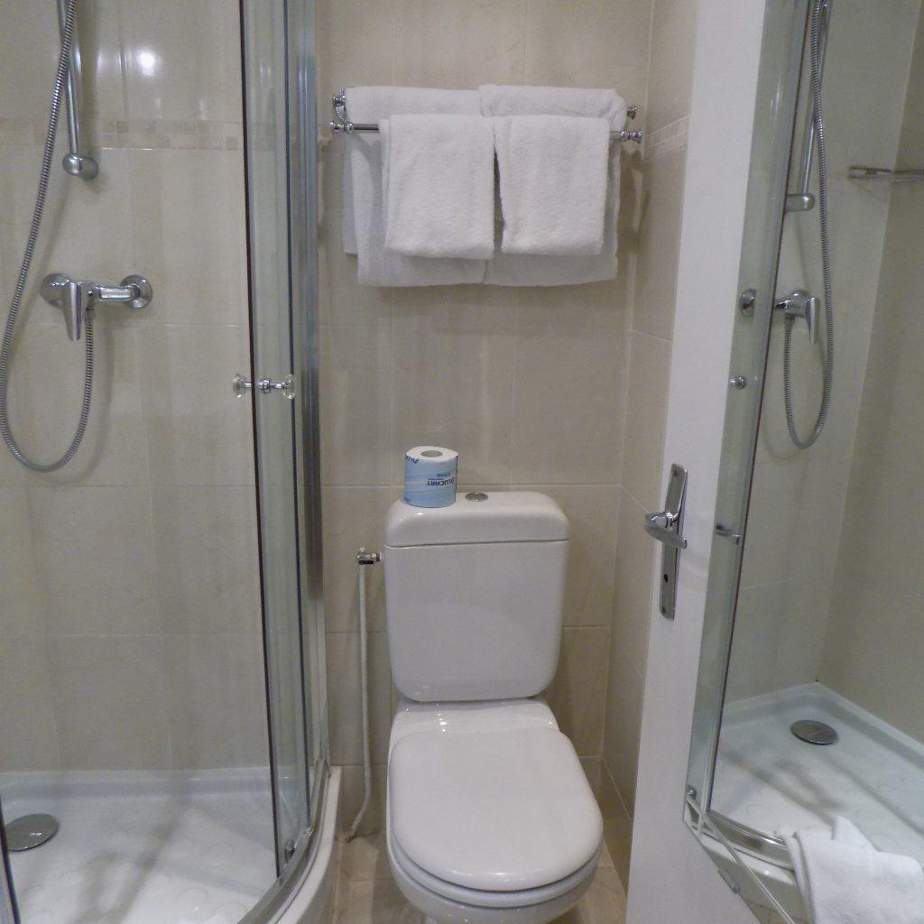 hotel Chopin bathroom