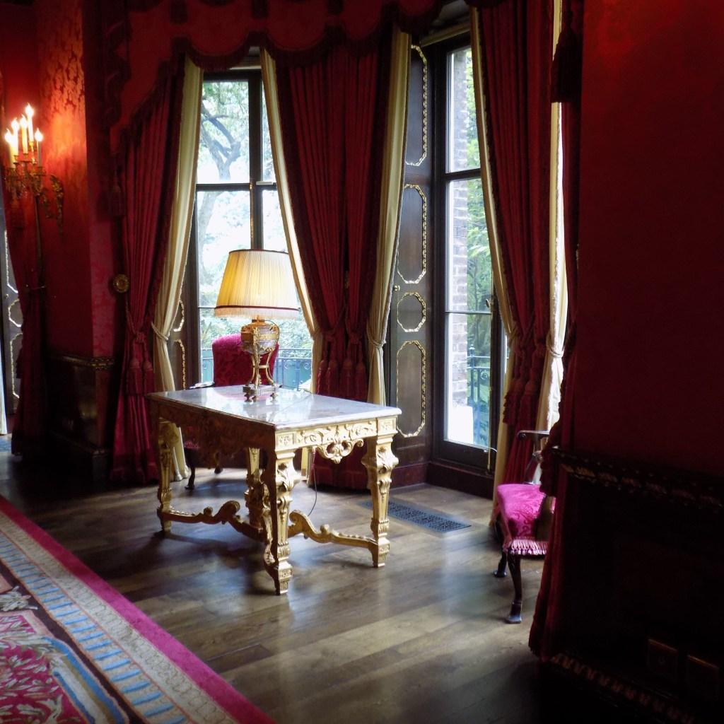 The Ritz, the crimson room