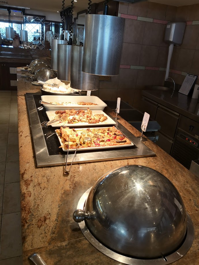 Aquamre hotel buffet