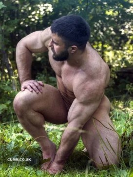 Naked-Forest-Therapy-big-muscle-man-nude