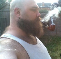 pipe-smoking-hot-bloke-pukka