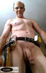nude workman mature and hung