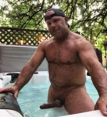 mature-erection-public