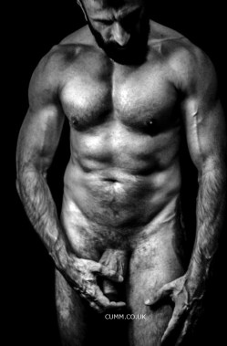 haIRY sexy otter