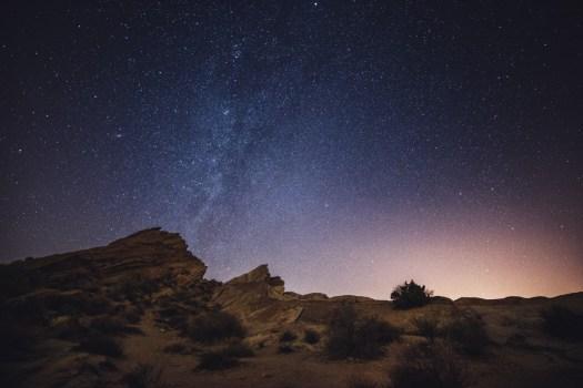 Rokinon Samyang 14mm f/2.8 Astrophotography - Vasquez Rocks