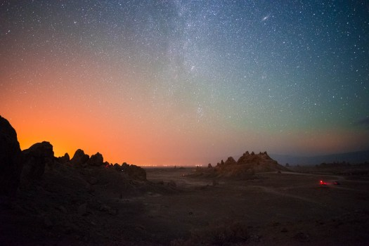 lonely-speck-meetup-2016-trona-pinnacles-milky-way-3