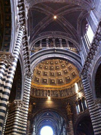 Interno del Duomo di Siena [Foto di C. Chimenti / Lonelytraveller]