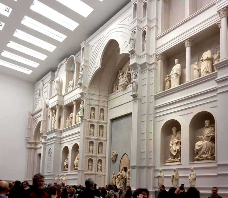 La facciata medievale del Duomo nella ricostruzione del Grande Museo del Duomo