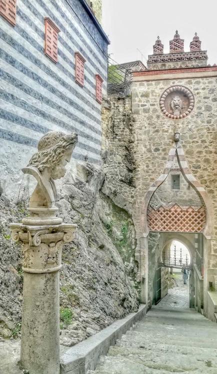 L'ingresso della Rocchetta, visto dalle scale interne. Foto: Caterina Chimenti / Lonely Traveller