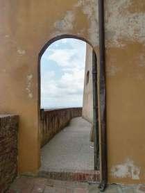 Lari_vista_dal_camminamento_02