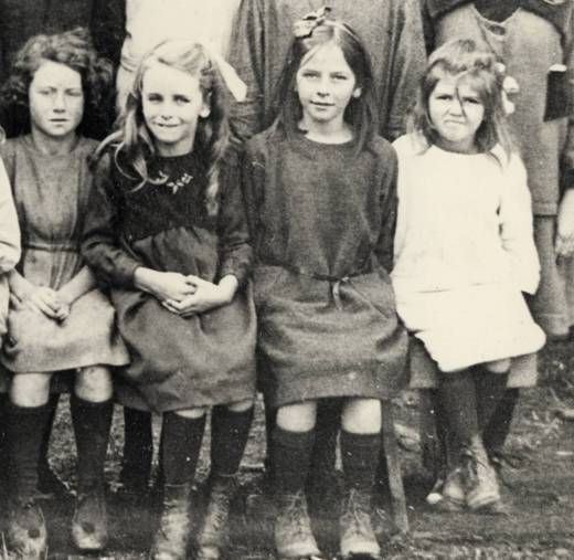 Gumeracha Primary School class photograph, 1922, and Evelyn Randell is the one on the far right (age c.6)