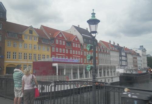 buildings alongside the canal in Copenhagen