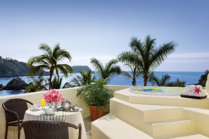 Dreams Huatulco Resort & Spa - Accommodations - The Junior Suite Terrace features a soothing Jacuzzi and breathtaking ocean views