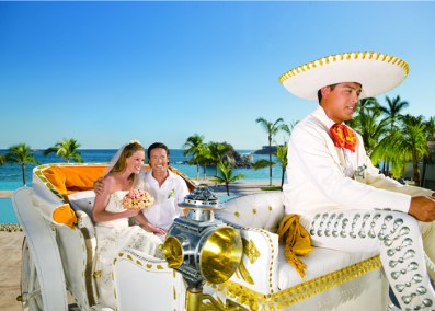 Dreams Huatulco Resort & Spa - Weddings - Wedding carriage