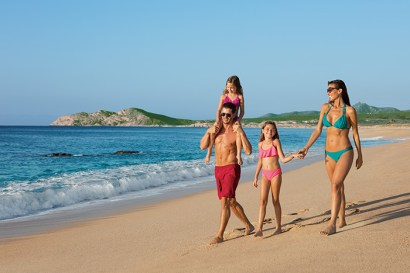 Dreams Los Cabos Suites Golf Resort & Spa - Grounds - Family on the beach