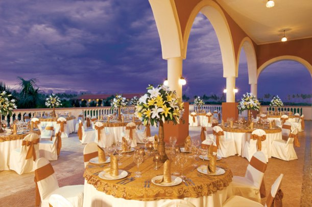 Dreams Punta Cana Resort & Spa - Weddings - Beach Reception