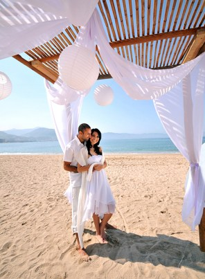 Sunscape Puerto Vallarta Resort & Spa - Weddings - Beach Couple Cabana