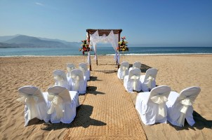 Sunscape Puerto Vallarta Resort & Spa - Weddings - Beach Setup