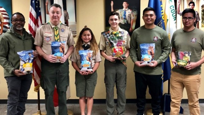 Scouts Donate Popcorn to Military