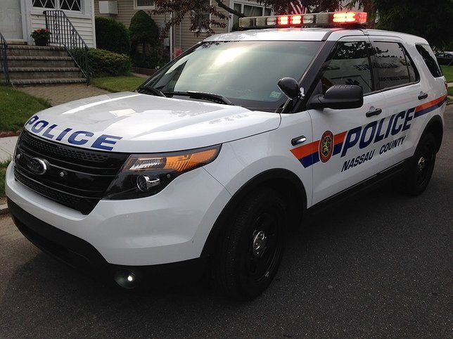Man Robbed In Roslyn Heights During Arranged Car Purchase Through