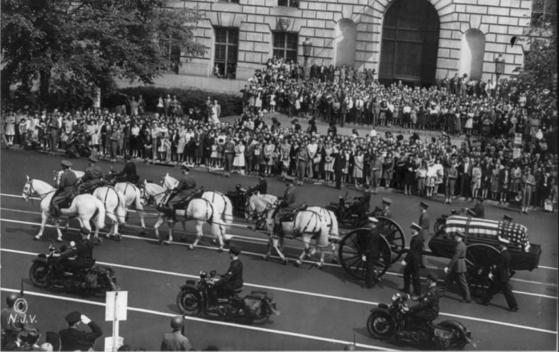 franklin_roosevelt_funeral_procession_cc_img