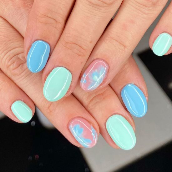 Blue and green nails for Pisces