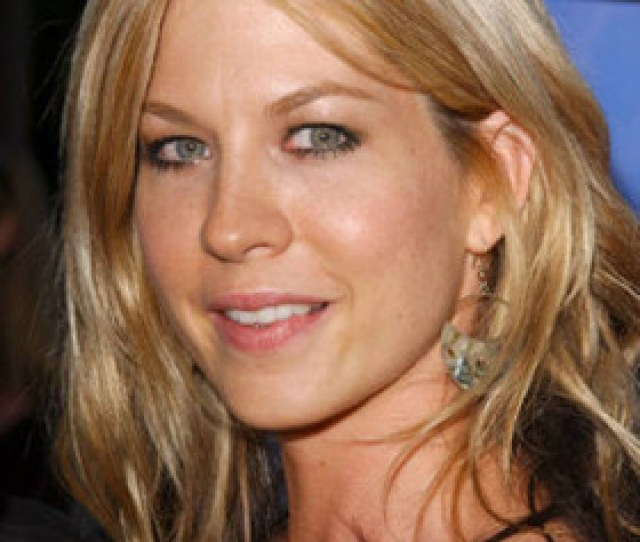 Jenna Elfman Charity Work Events And Causes