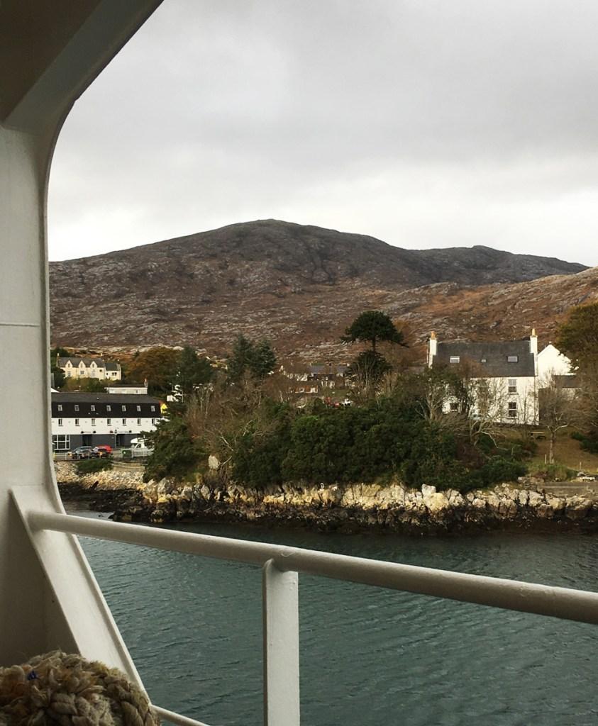 Sailing into the Isle of Harris