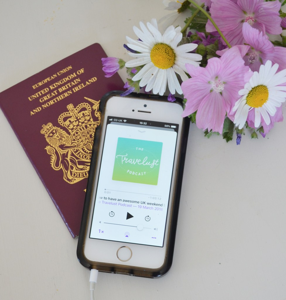 9 inspiring podcasts for travel bloggers
