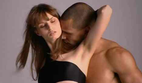 GNTM 2010: Heiße Fotoshootings in Los Angeles und kalte Dusche für Luisa - TV News