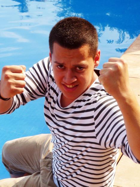 X Factor 2010: Marlon Bertzbach bekam die Musik in die Wiege gelegt - TV News